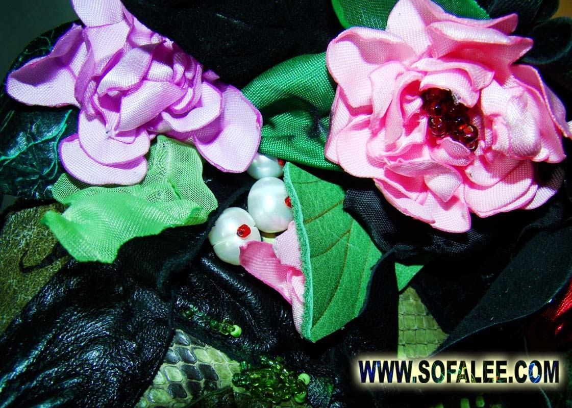 детально на фото куртка кожаная женская.Питон натуральный.фото 12