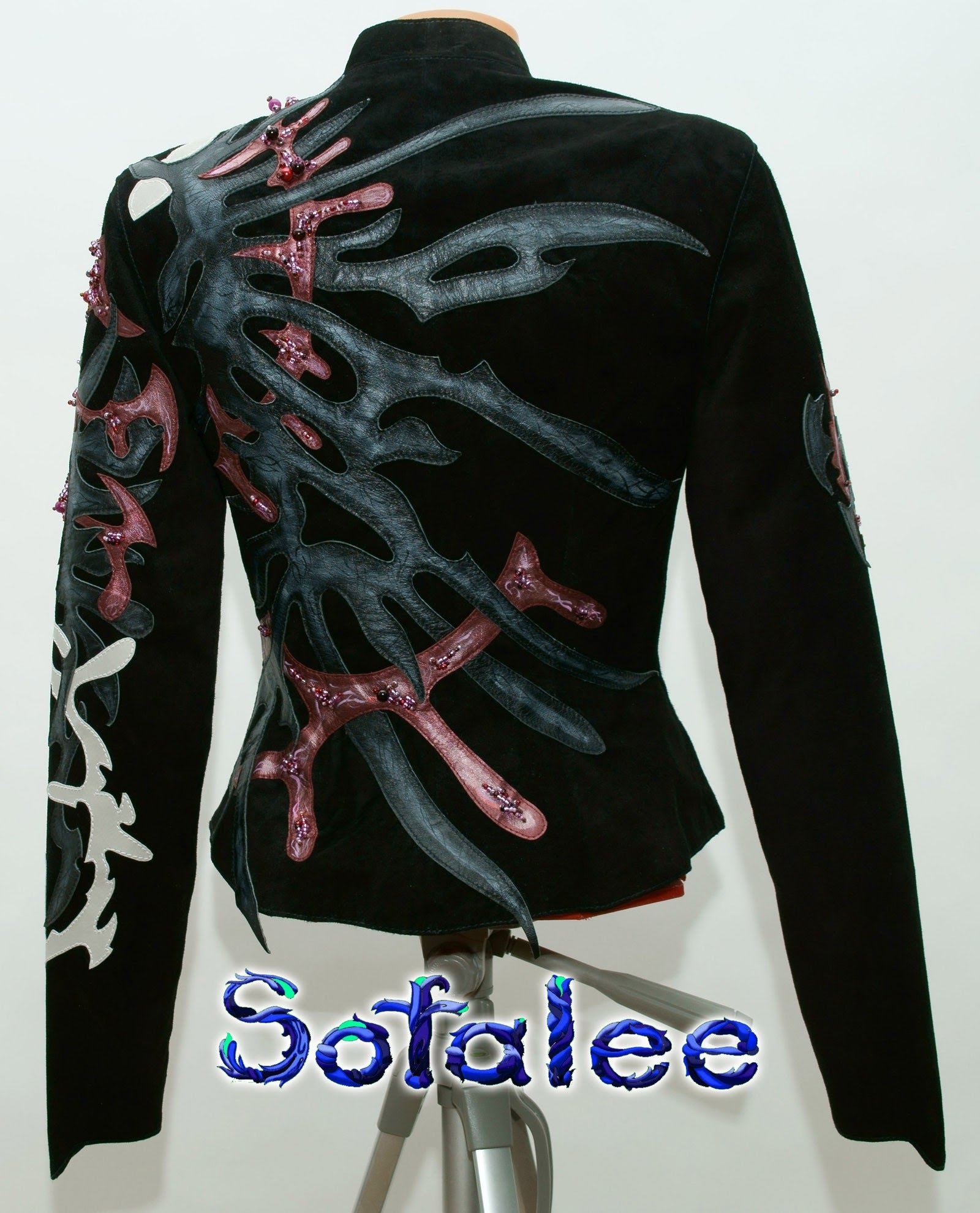 женственная дизайнерская кожаная куртка 0005