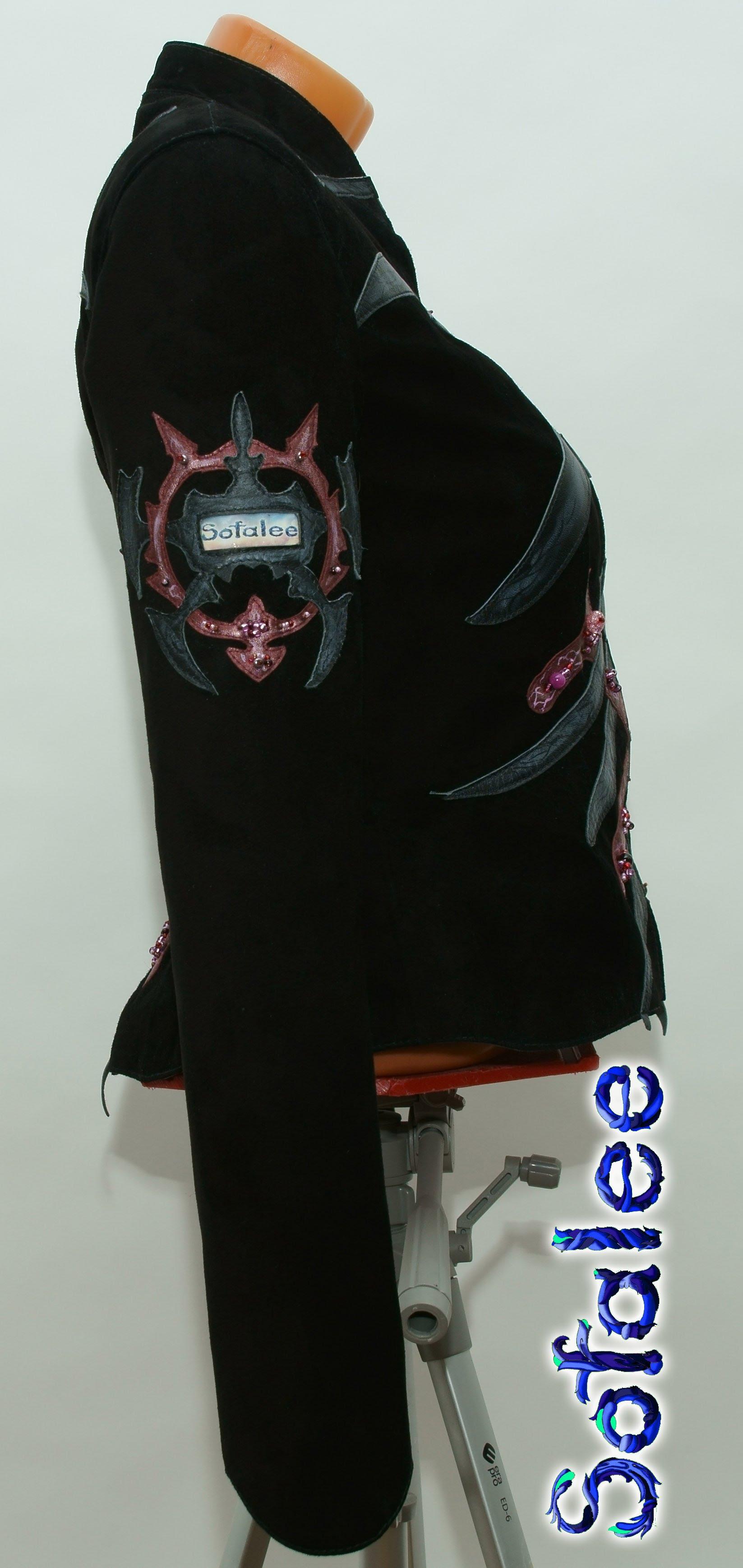 женственная дизайнерская кожаная куртка 0008