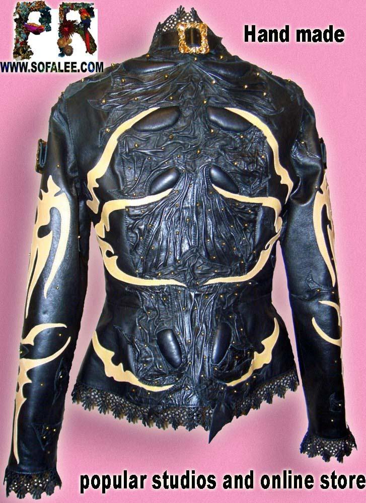 Куртка женская черная с желтыми аппликациями