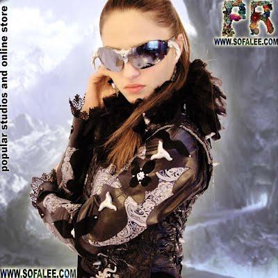 Красивая кожаная куртка в стиле рок-н-ролл