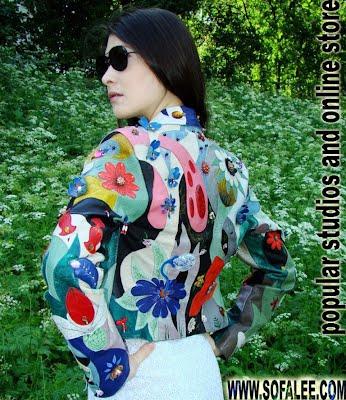 Модная кожаная куртка с дорогой вышивкой из страз