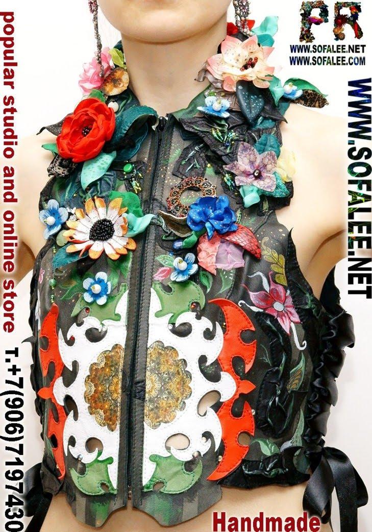 кожаная жилетка с цветами 03