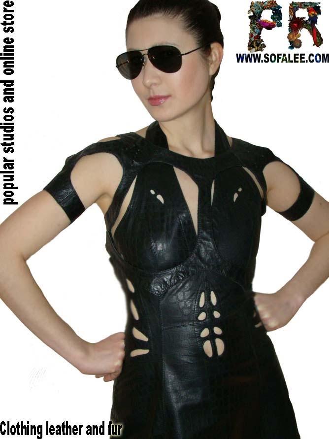 №131 Черное кожаное платье с корсетом