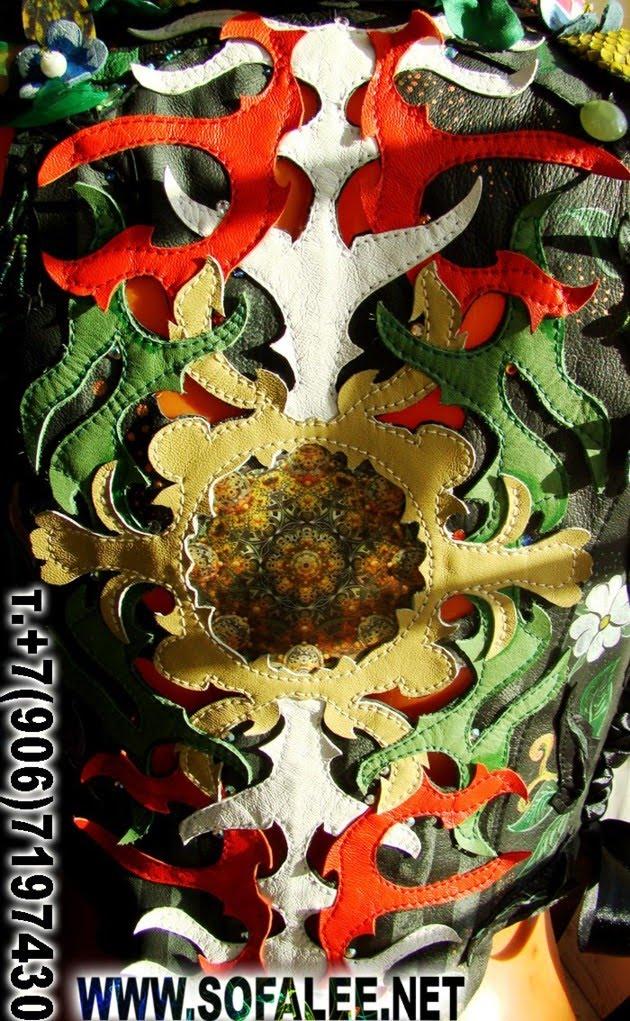 кожаная жилетка с цветами 04